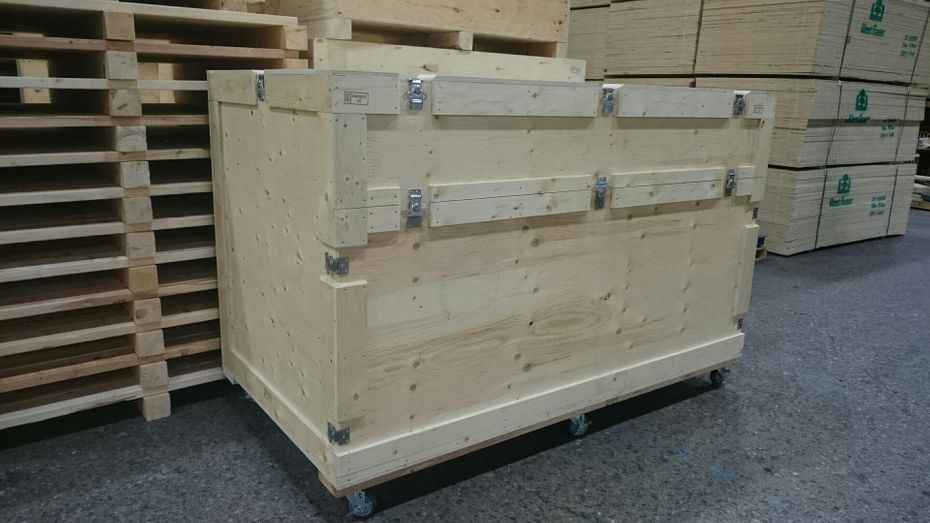 Custom wooden crates in Mississauga